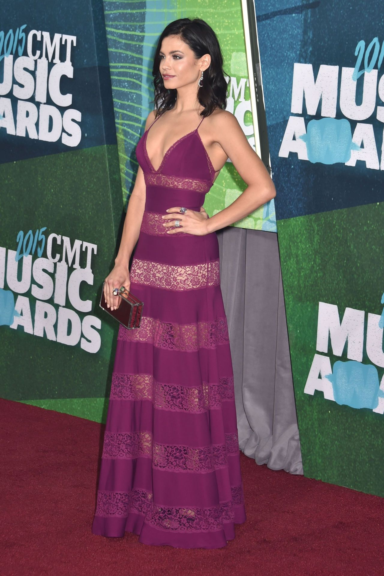 jenna-dewan-tatum-2015-cmt-music-awards-in-nashville_10