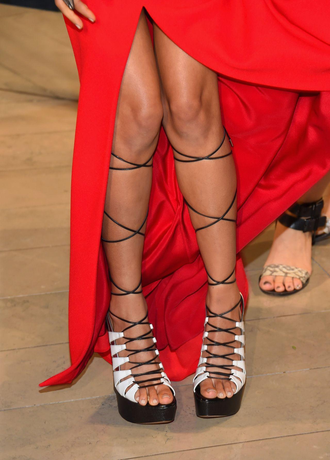 jhené-aiko-2015-cfda-fashion-awards-in-new-york-city_9