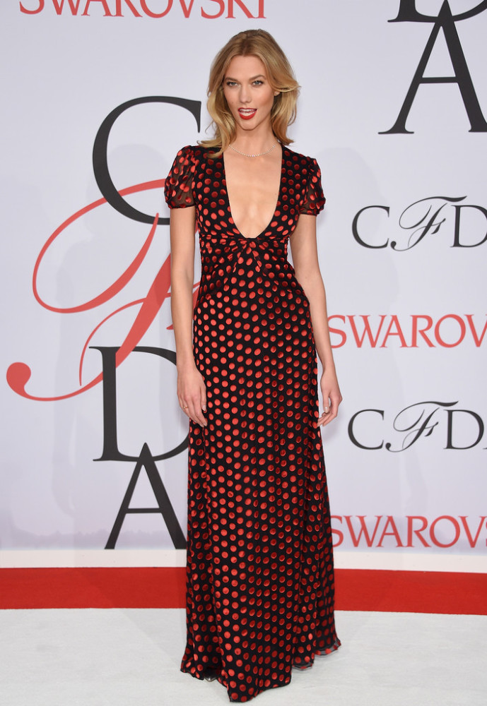 karlie-kloss-diane-von-furstenberg-2015-CFDA-Fashion-Awards-Inside-Arrivals
