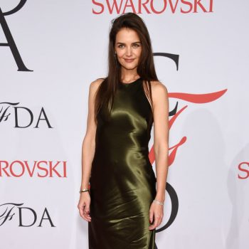 katie-holmes-green-ralph-lauren-2015-CFDA-Fashion-Awards-Inside-Arrivals-gd7iQw04Drzx-627×1000