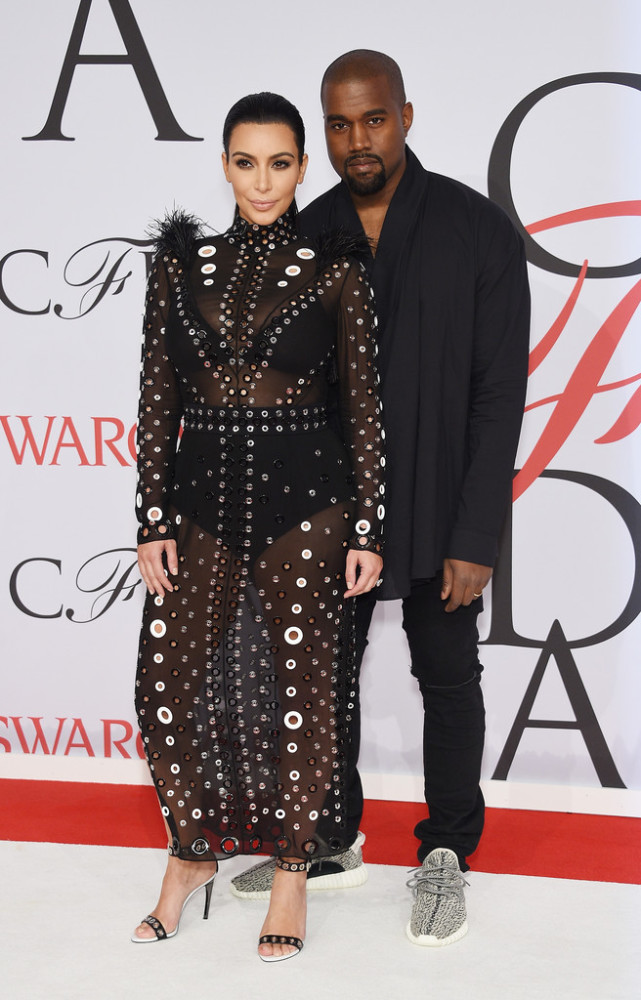 kim-kardashian-kanye-west-2015-CFDA-Fashion-Awards-Inside-Arrivals-wUC7RHHcUYix-641x1000