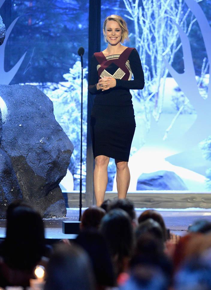 rachel-McAdams-in-roland-mouret-at-the-2015-spike-tv-guys-choice-awards
