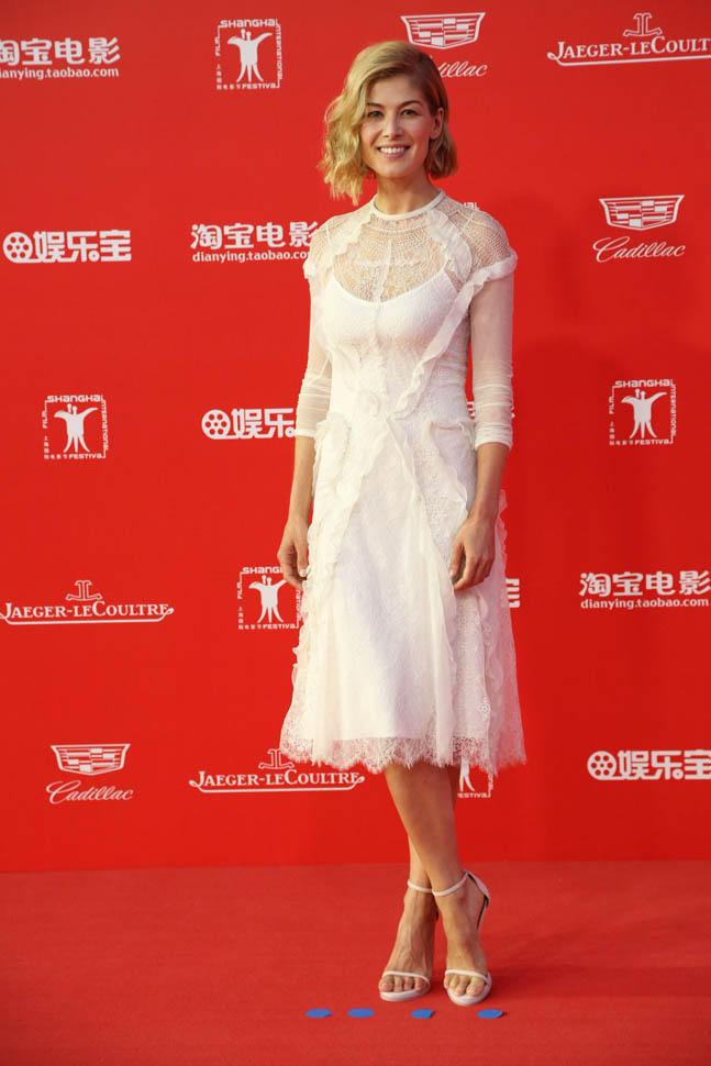 Rosamund- Pike- in-givenchy- closing -ceremony -at -Shanghai -International- Film- Festival
