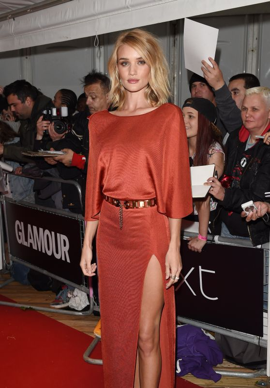 rosie-huntington-whiteley-in-cushnie-et-ochs-2015-glamour-woman-of-the-year-awards