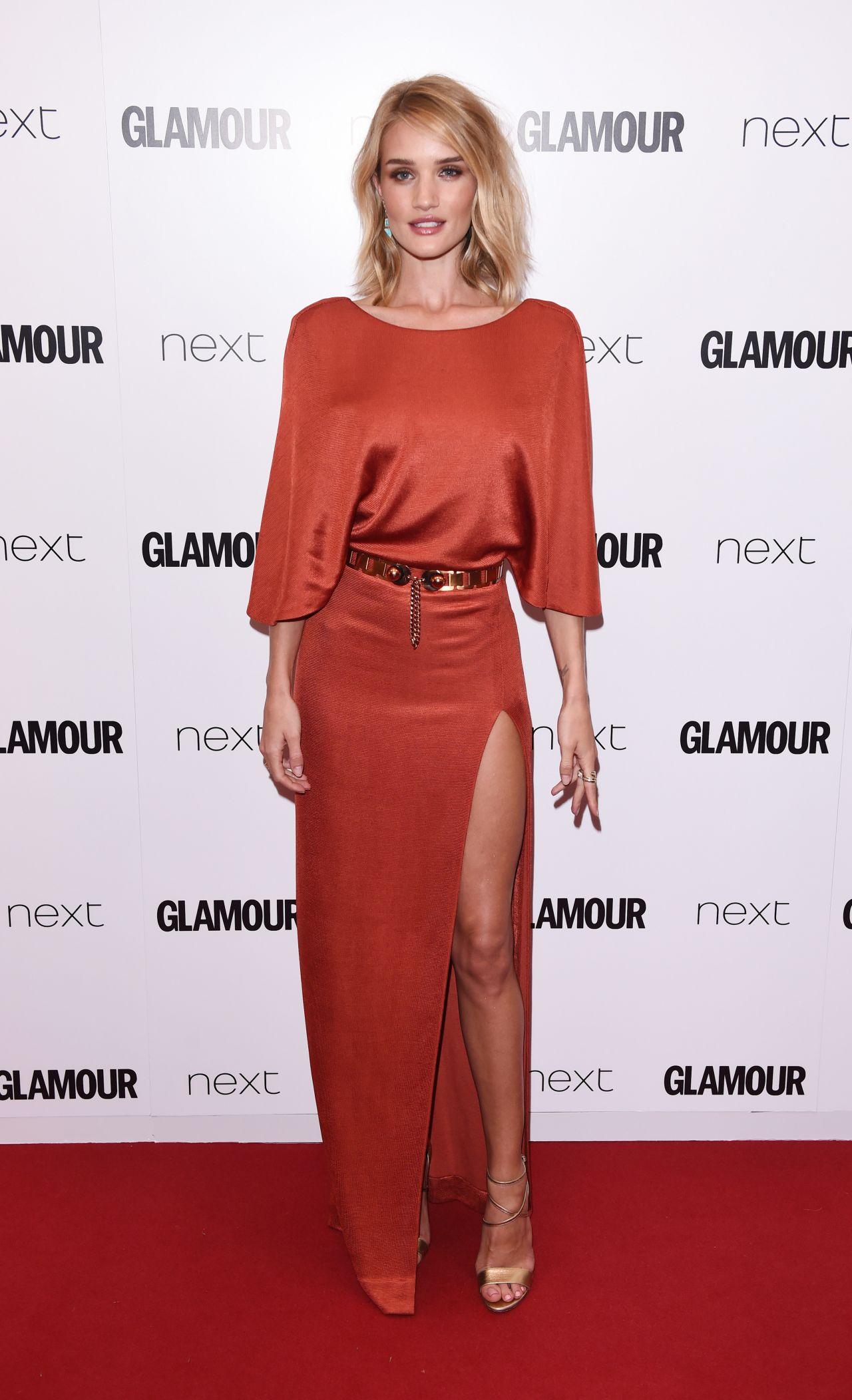 rosie-huntington-whiteley-2015-glamour-women-of-the-year-awards-in-london_23