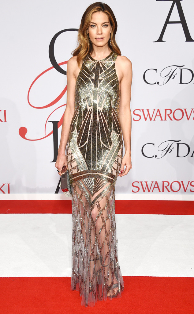 michelle-monaghan-in-monique-lhuillier-2015-cfda-fashion-awards