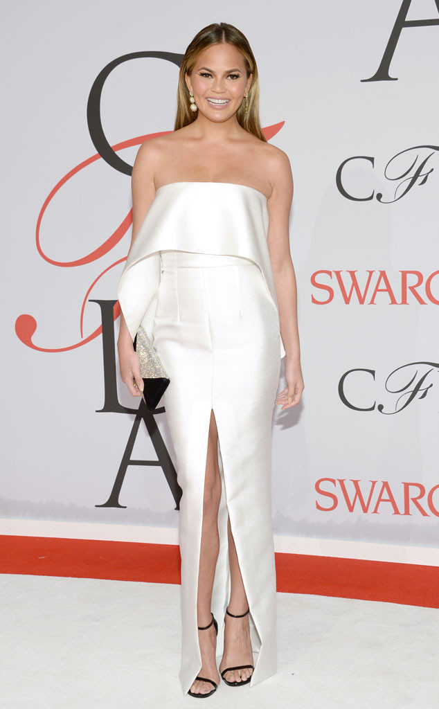 Chrissy -Teigen- in- Solace -London- a-t the- 2015 -CFDA -Fashion -Awards