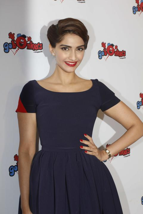 Sonam-Kapoor-at-the-launch-of-GO-BONKERS