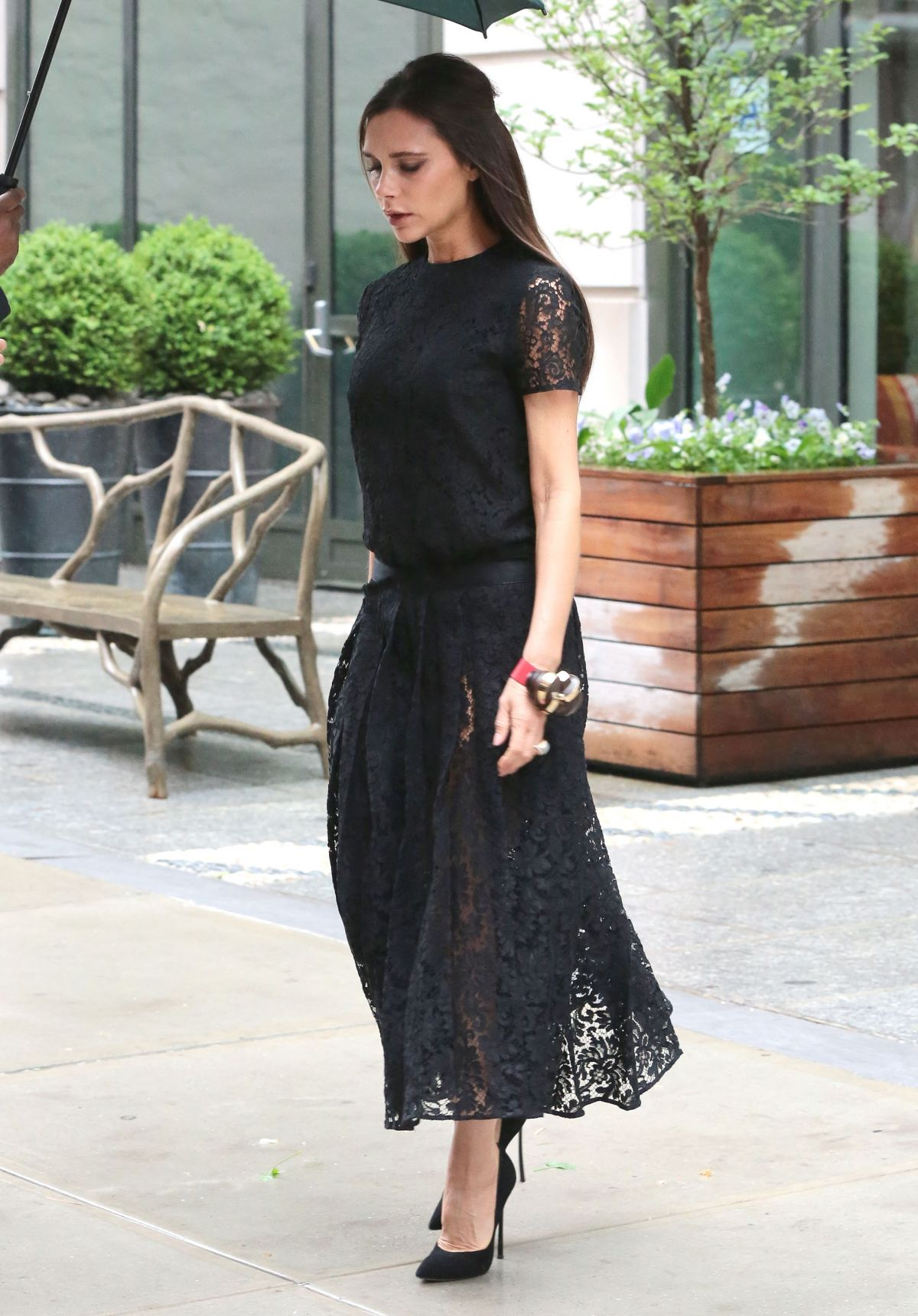 victoria-beckham-out-and-about-in-new-york-06-02-2015_4