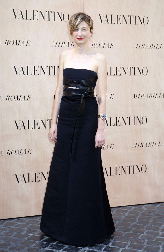 alba-rohrwacher-in-valentino-at-valentino-mirabilia-romae-fall-2015-couture-front-row