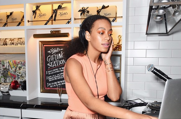 Solange-Knowless-Kiehls-Pioneers-By-Nature-Party-Peach-Top-Etienne-Aigner-Metallic-Accordion- Pioneers -By -Nature- Party
