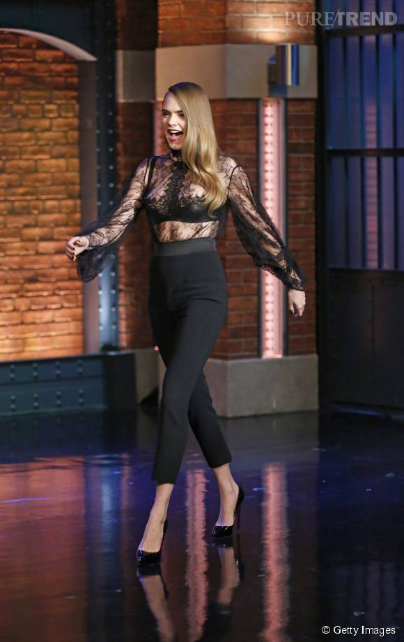 cara-delevingne-in-alexander-mcqueen-late-night-with-seth-meyers