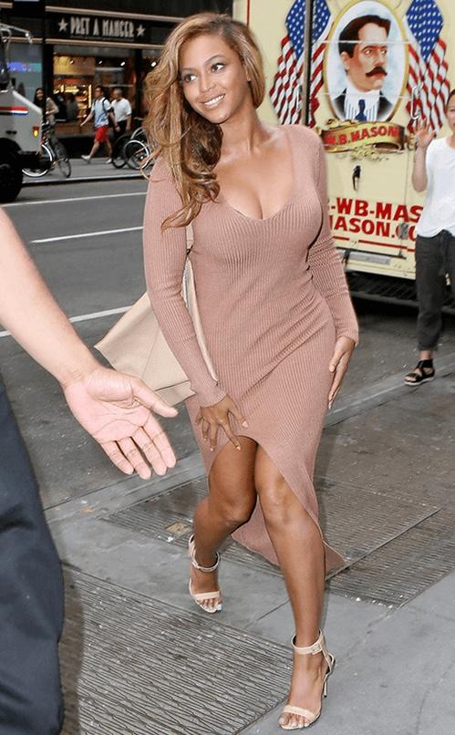 Beyonce-New-York-City-Self-Portrait-Camel-Ribbed-Knit-Side-Slit-Dress