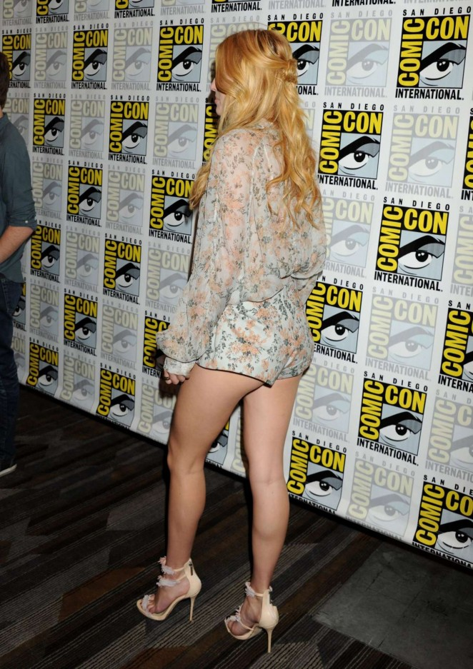 Bella-Thorne--Scream-Press-Line-at-Comic-Con-