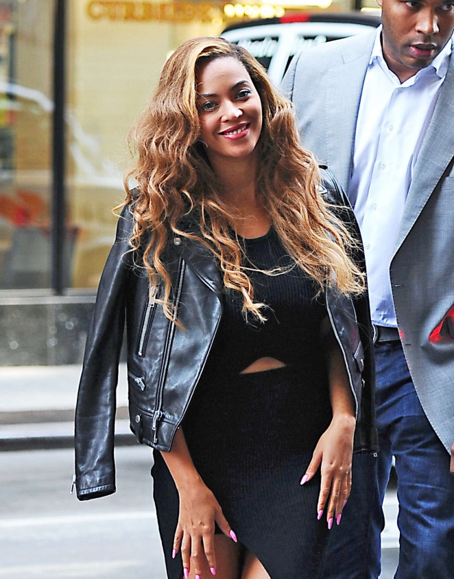 beyonce-in-self-portrait-out-in-new-york