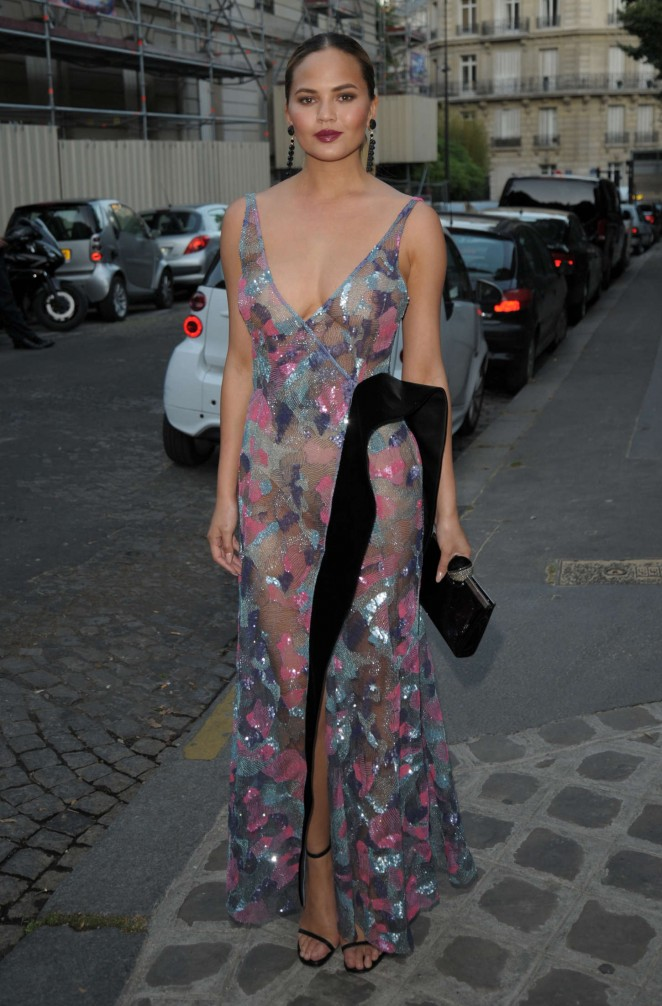 Chrissy-Teigen--Vogue-Party-2015-