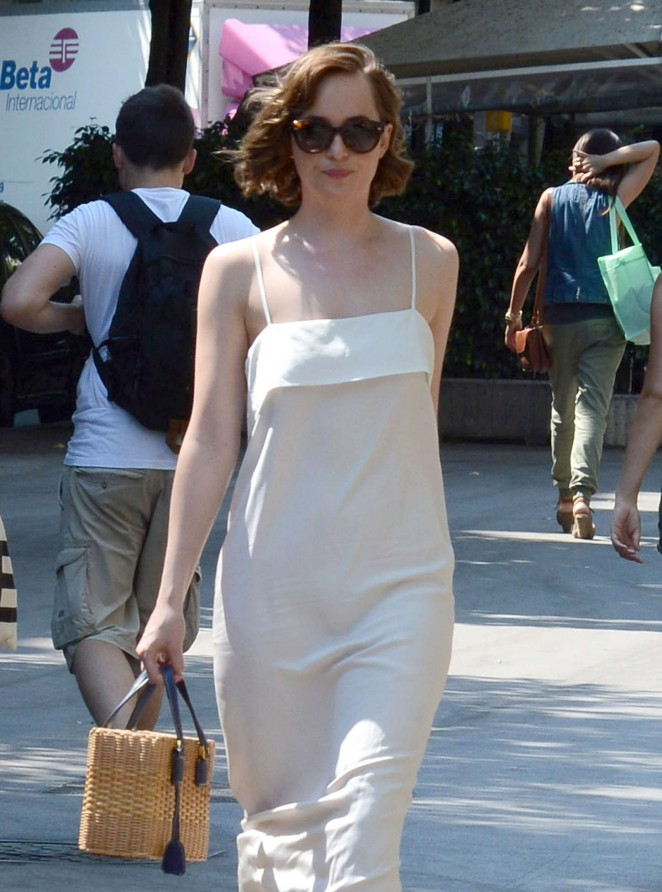 dakota-johnson-in-apiece-apart-out-in-barcelona