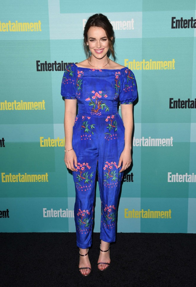 Elizabeth-Henstridge--Entertainment-Weekly-Party-at-Comic-Con