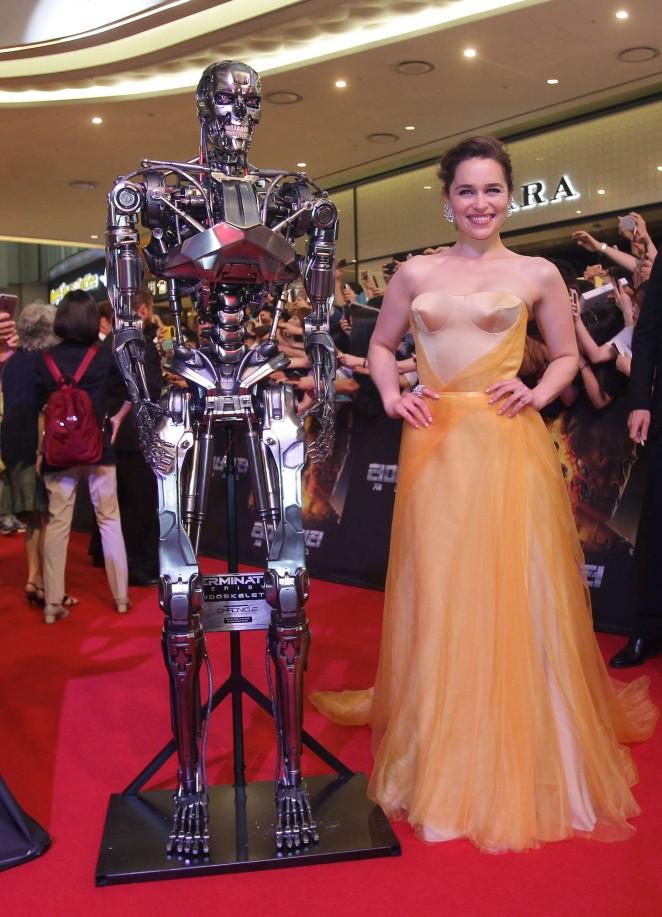 Emilia-Clarke--Terminator-Genisys-Premiere--