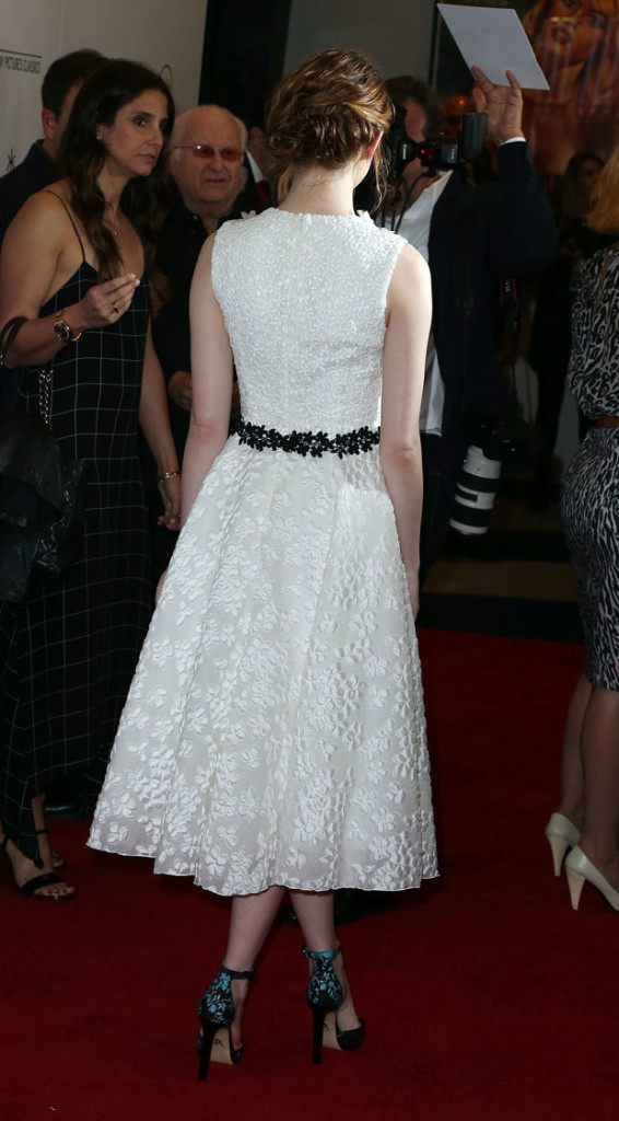 emma-stone-in-giambattista-valli-at-irrational-man-la-premiere