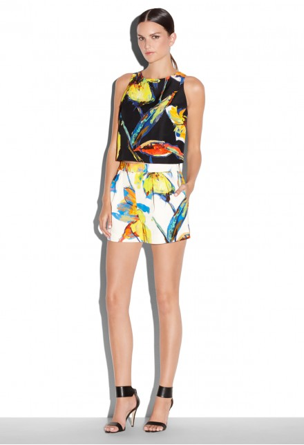 Jennifer-Lopez -East-Hampton-Birthday-Celebration-Milly-Pop-Art-Floral-Print-Bustier-Top-Shorts-and-Giuseppe-Zanotti-Blue-Sandals1