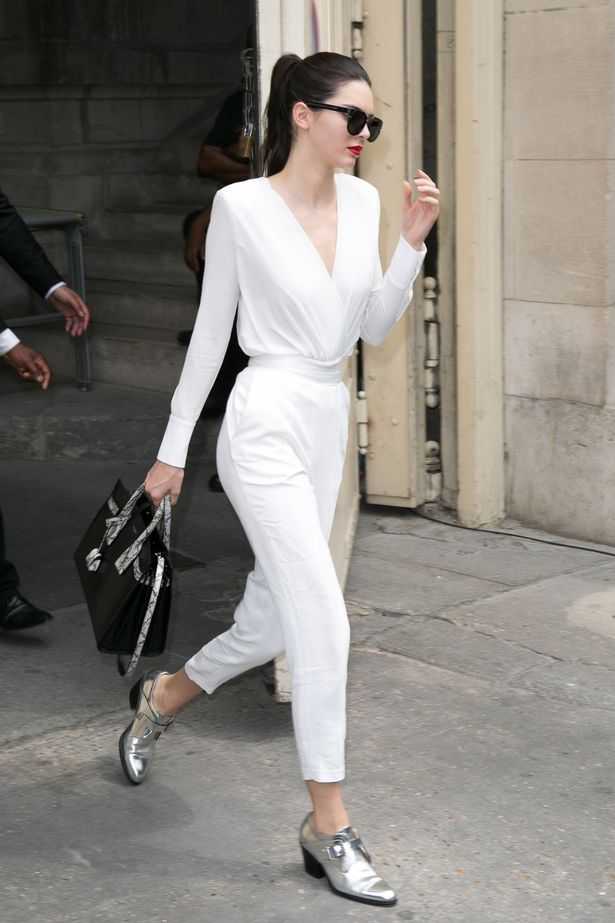 Kendall-Jenner-leaves-the-Chanel-show-as-part-of-Paris-Fashion-Week-Haute-Couture-FallWinter-20152016-on-July-7-2015-1