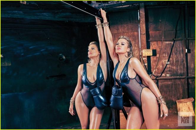 Khloe-Kardashian--Complex-Magazine-2015--01-662x442