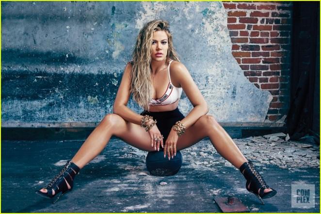 Khloe-Kardashian--Complex-Magazine-2015--07-662x442
