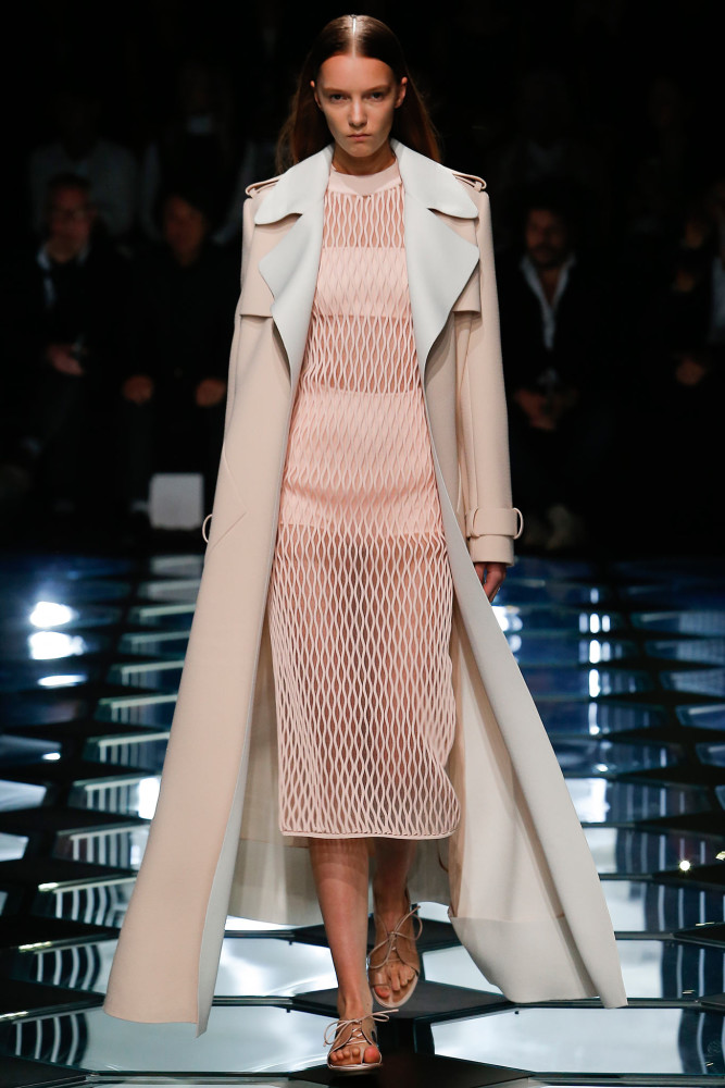 Kim-Kardashian-Wests-London-Balenciaga-Spring-2015-Tan-Trench-Coat-Nude-Dress-and-Manolo-Blahnik-Lucite-Sandals-667x1000