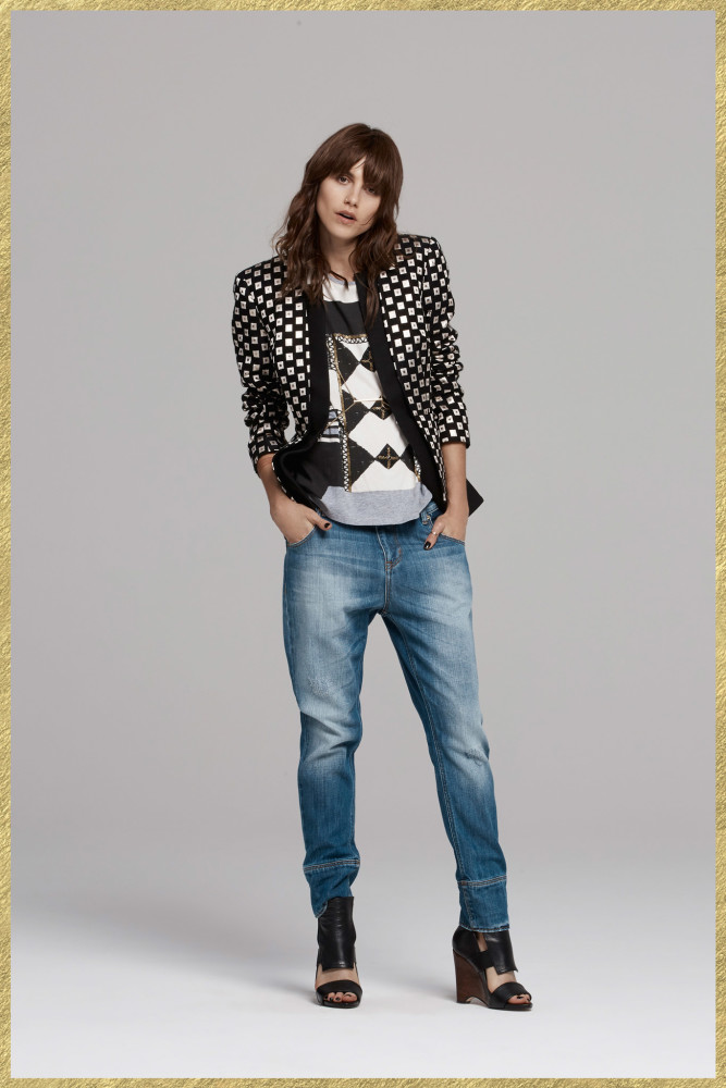Kylie-Jenner-LA-Sass-Bide-Pre-Fall-2015-Square-Print-Blazer-and-Matching-Shorts-
