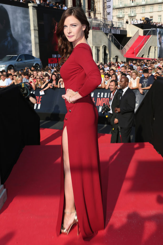 rebecca-ferguson-in-elie-saab-mission-impossible-rogue-nation-world-premiere