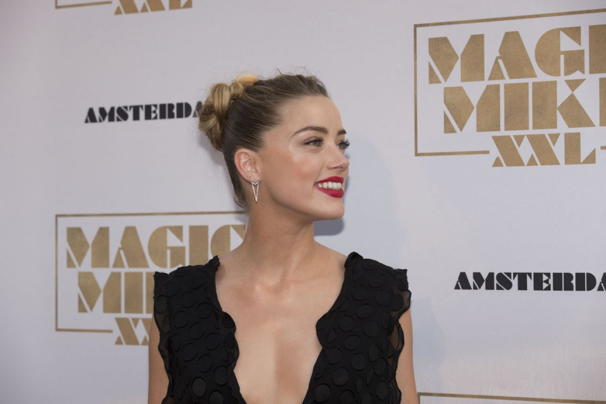 amber-heard-at-magic-mike-xxl-premiere-in-amsterdam_3