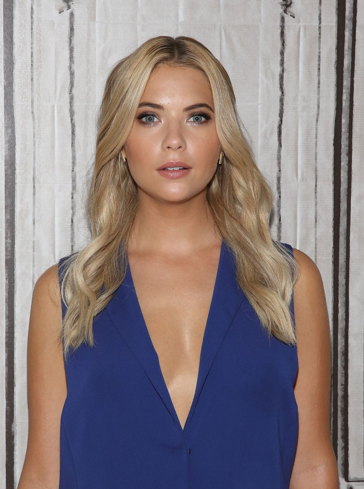 ashley-benson-aol-studios-in-new-york-city-july-2015_12