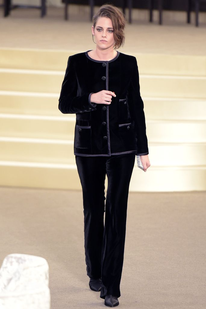 Kristen -Stewart-chanel-fall-2015-couture-front-row/