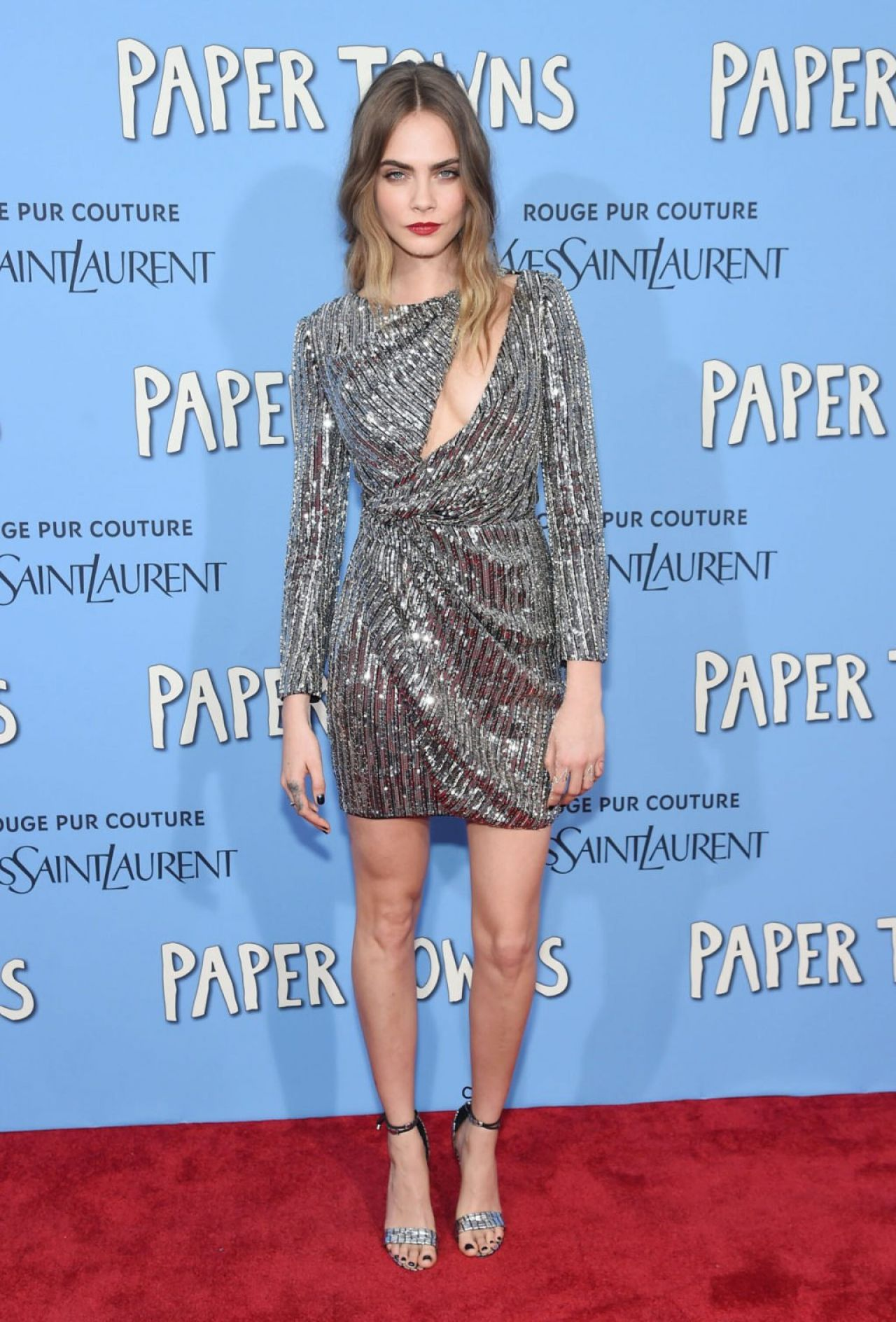 cara-delevingne in-saint-laurent--paper-towns-premiere-in-new-york-city-july-2015_2