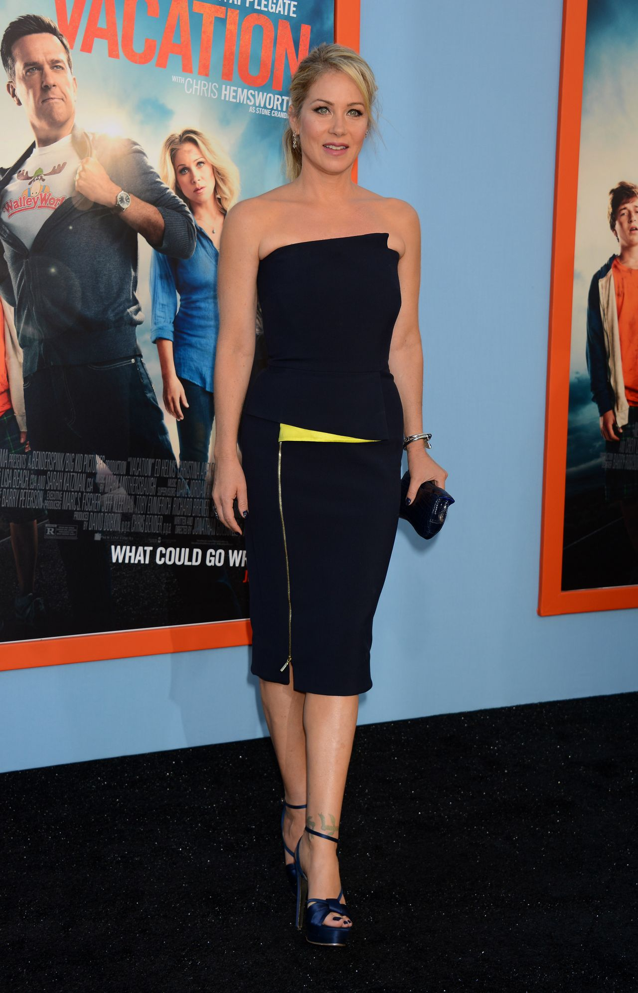 christina-applegate-in-amanda-wakeley-vacation-la-premiere