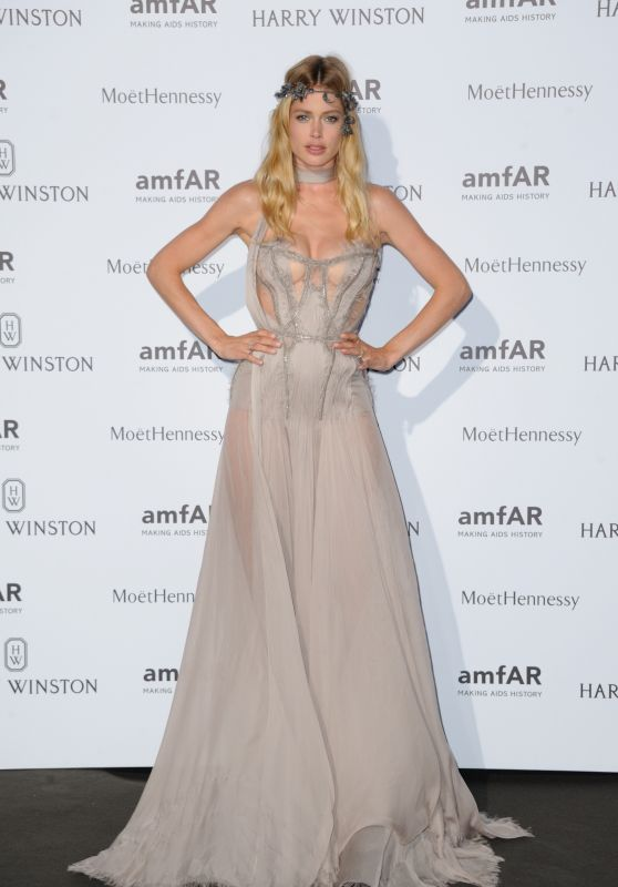 doutzen-kroes-on-red-carpet-amfar-dinner-in-paris-july-2015_1_thumbnail