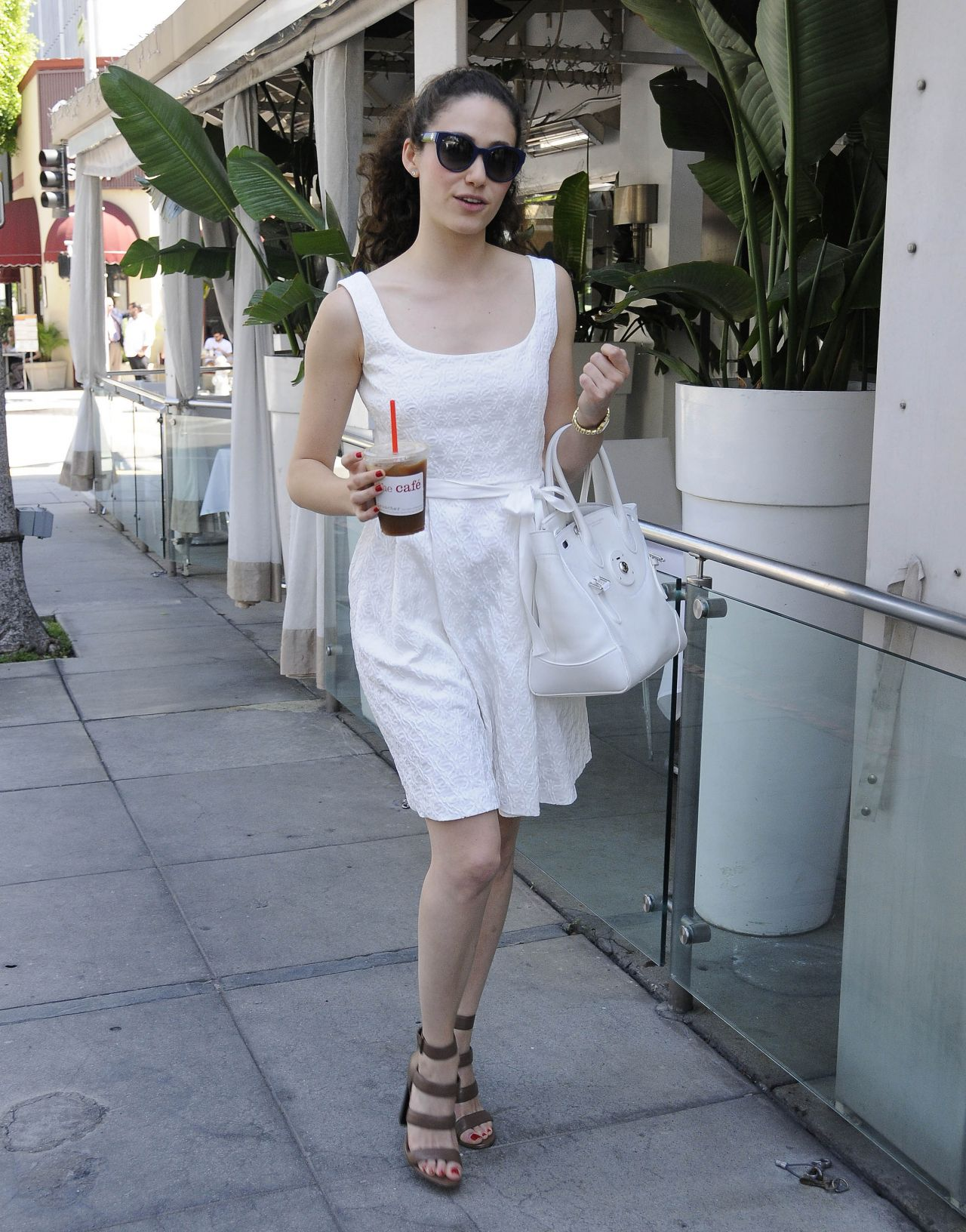 emmy-rossum-summer-style-2015-out-and-about-in-beverly-hills_1