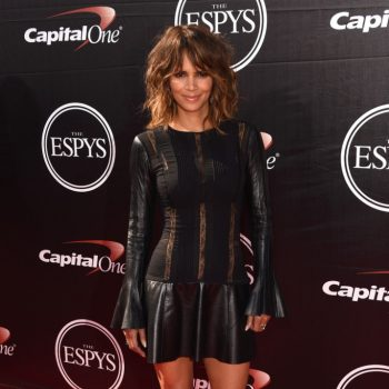 halle-berry-The-2015-ESPYS-Arrivals-4VuW277Vm5lx-682×1000
