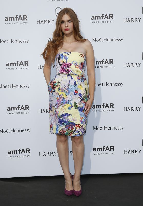 holland-roden-on-red-carpet-amfar-dinner-in-paris-july-2015_1_thumbnail