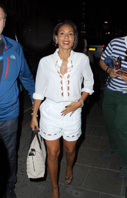 jada-pinkett-smith-arrives-at-her-hotel-in-london-07-03-2015-chloe-1