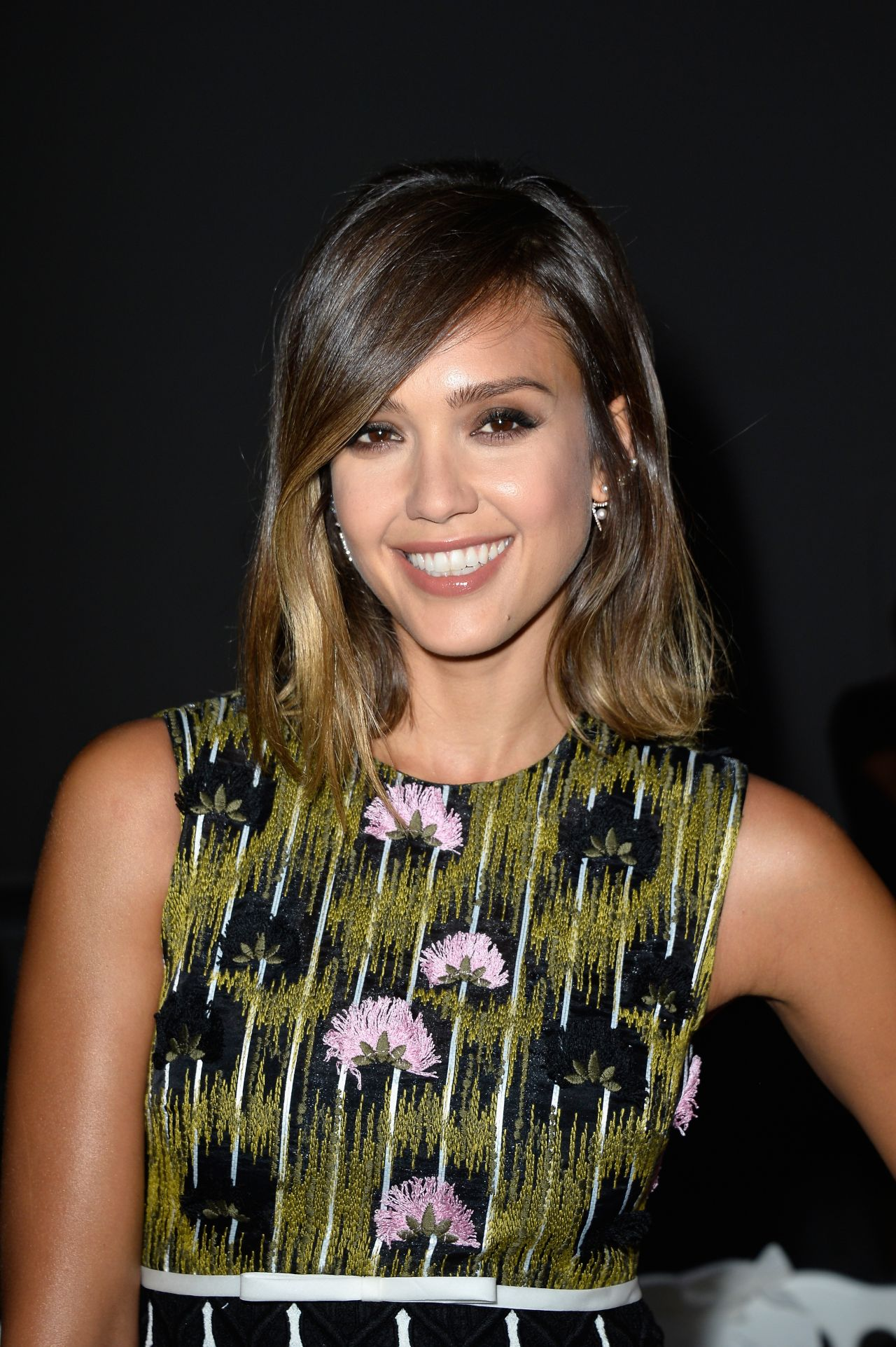 jessica-alba-in-giambattista-valli-at-m-a-c-cosmetics-giambattista-valli-floral-obsession-ball