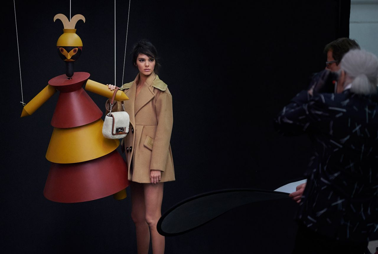 kendall-jenner-fendi-fall-winter-2015-ad-campaign_19