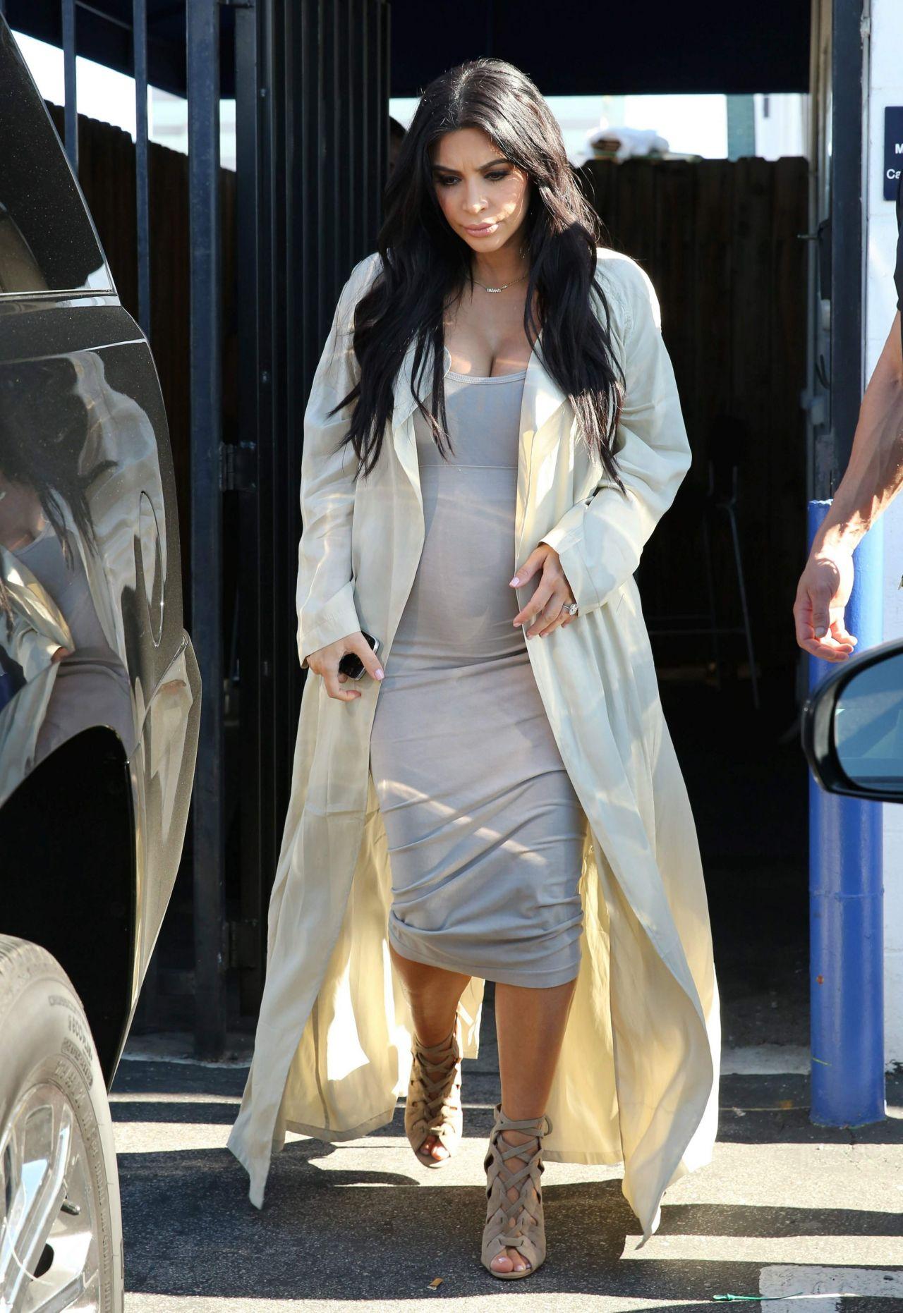kim-kardashian-street-fashion-at-a-studio-in-los-angeles-july-2015_1