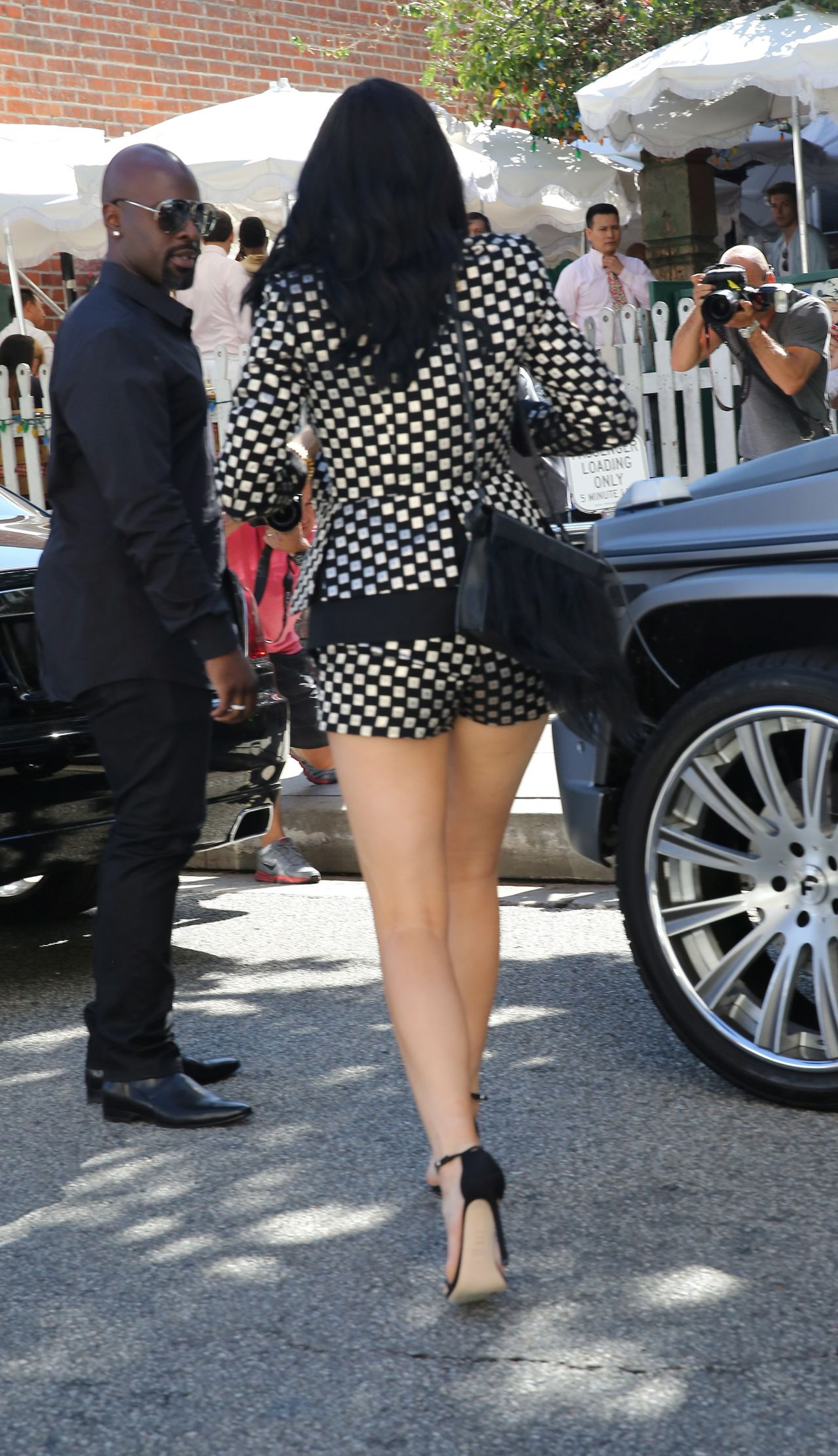 kylie-jenner-in-Sass - Bide-out-in-la