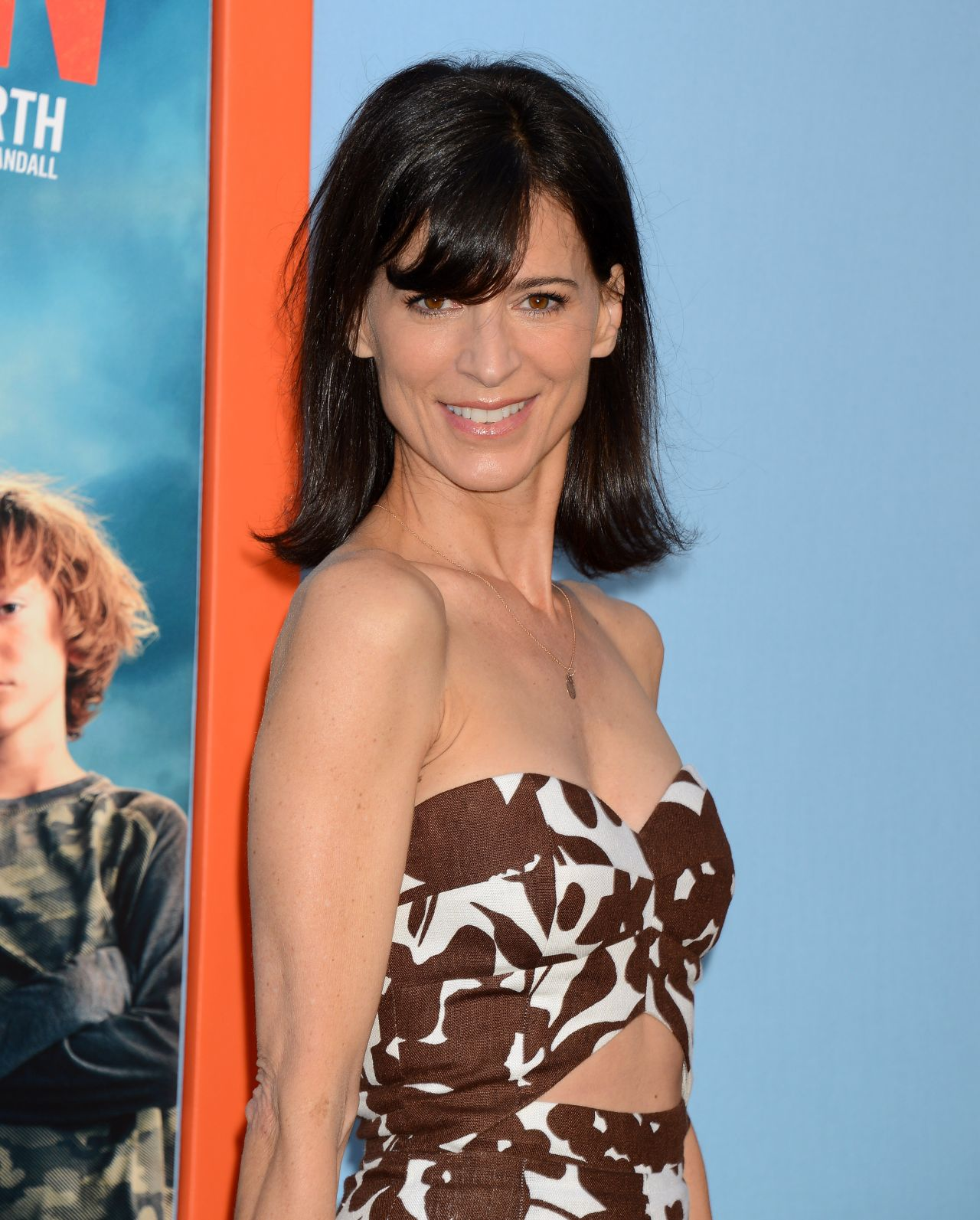 perrey-reeves-vacation-premiere-in-westwood_7