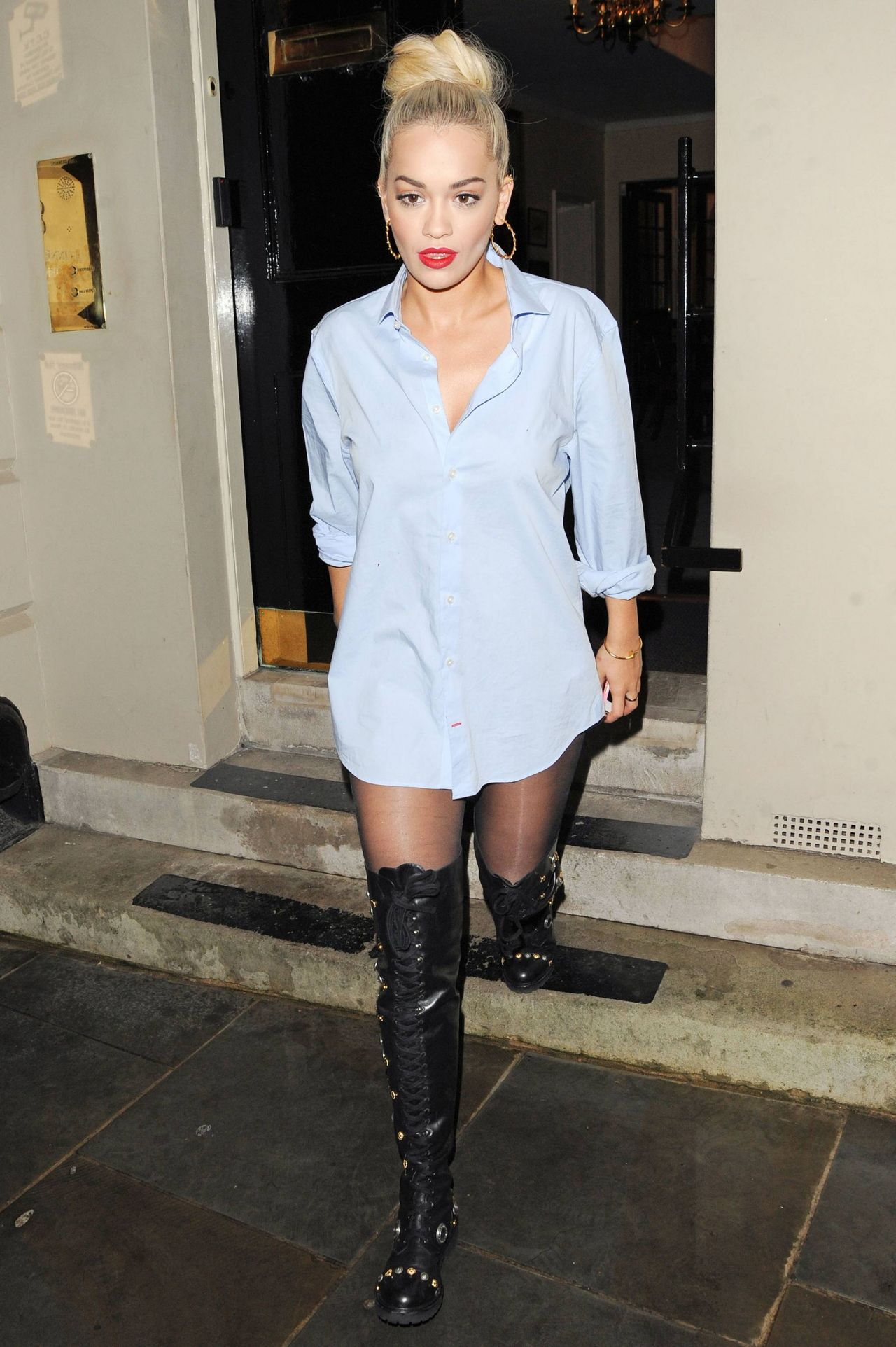 rita-ora-casual-style-out-in-london-july-2015_2