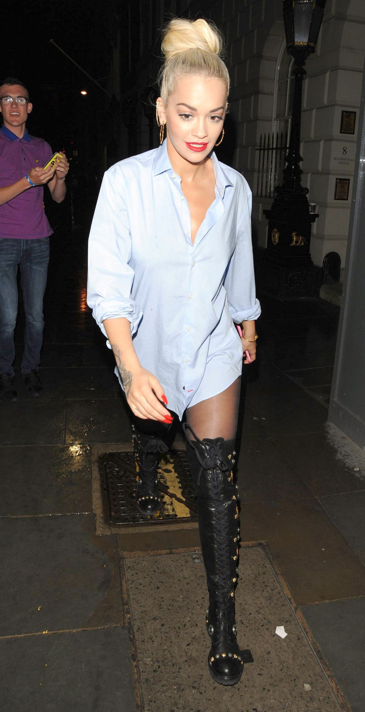 rita-ora-casual-style-out-in-london-july-2015_4
