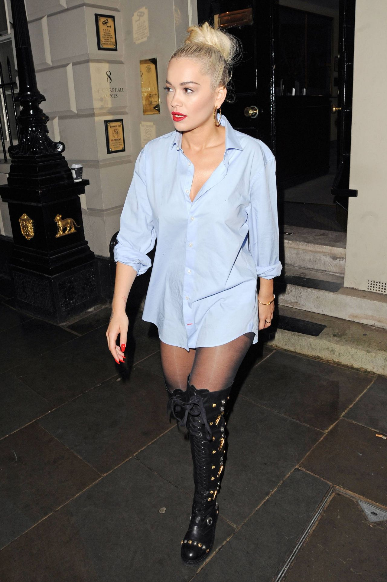 rita-ora-casual-style-out-in-london-july-2015_5