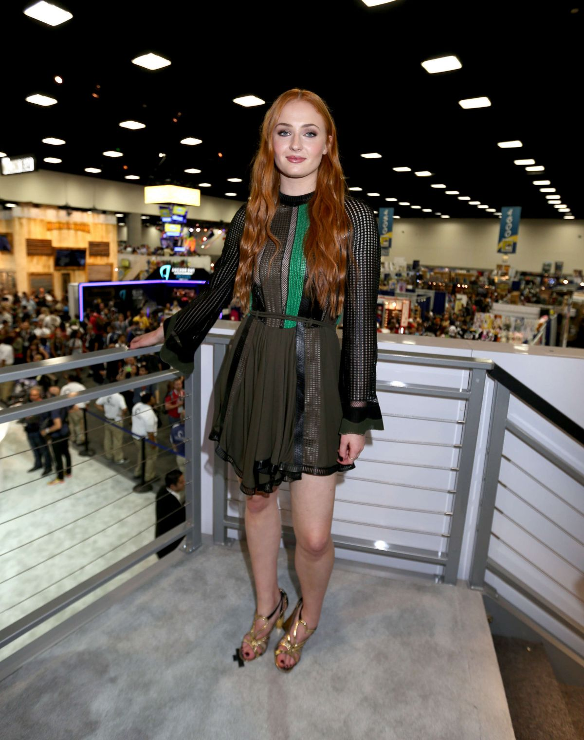 sophie-turner-at-game-of-thrones-panel-at-comic-con-in-san-diego_16
